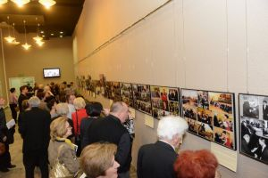 During the intermission the audience showed interest in the exhibition documenting briefly the 25-year activity of TiFL